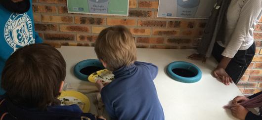 Dans les écoles, Love your waste sensibilise dès le plus jeune âge les enfants au tri des biodéchets.