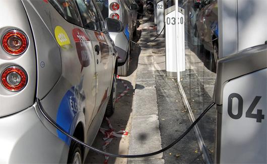 Le service de voitures électriques Autolib' a été lancé en décembre 2011 à Paris (© flickr - Tous droits réservés par autolib').