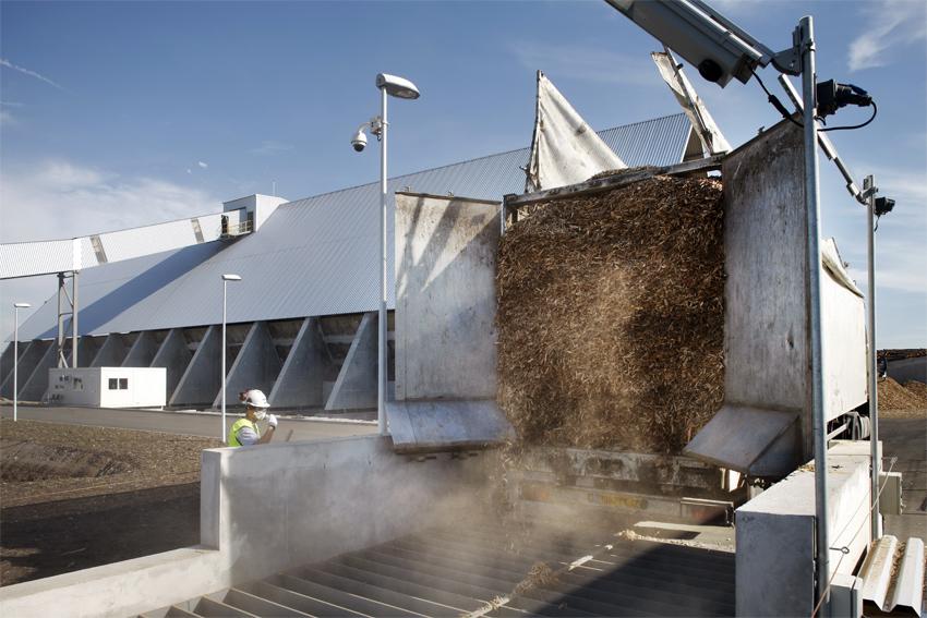 La biomasse est dessablée et broyée avant d'être valorisée comme combustible dans la chaudière. (©Phototheque VEOLIA - Rodolphe Escher)